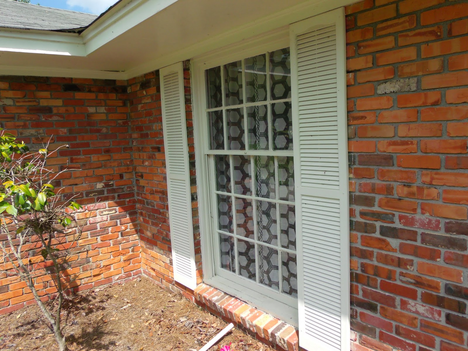How To Stain Vinyl Shutters