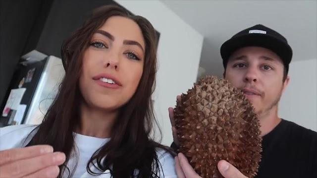 Cicipi Durian Pertama Kali, Pasangan Amerika ini Malah Mendapatkan Durian Busuk
