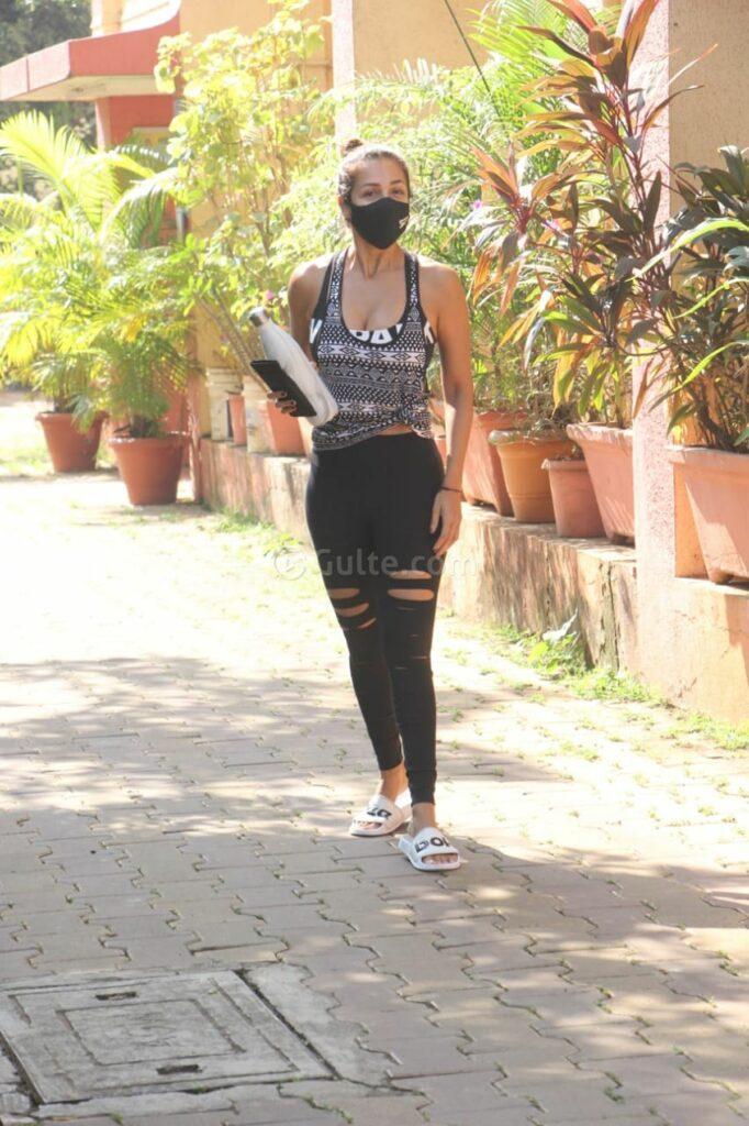 Actors Gallery: Malaika Arora Hot at Diva Yoga