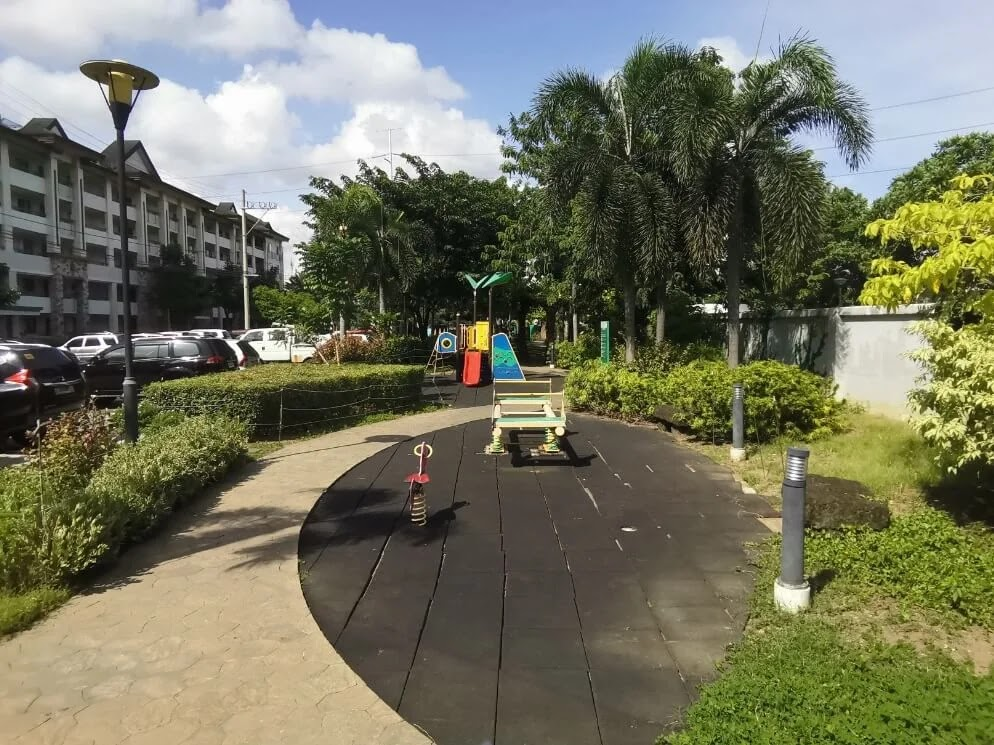 Huawei MatePad Camera Sample - Morning, Playground, HDR