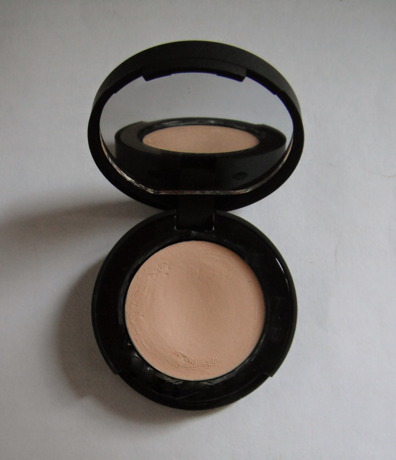 Full Coverage Concealer KIKO light