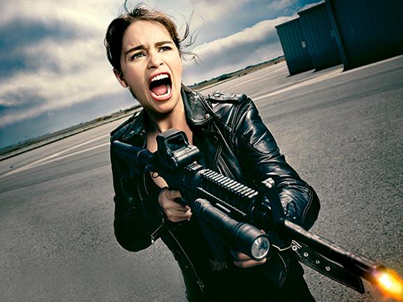 Acţiune cu Sarah Connor (Emilia Clarke) în Terminator: Genisys