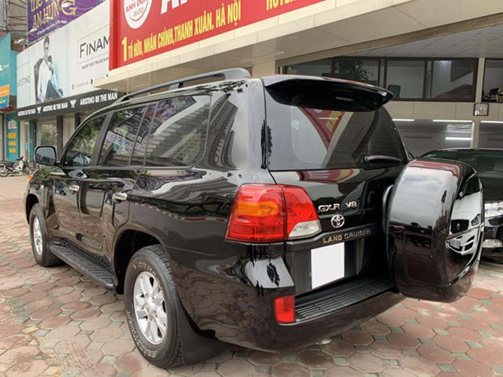 Xe hiếm Toyota Land Cruiser máy dầu 10 năm tuổi tại Việt Nam
