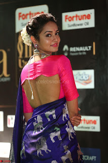 Shanvi Looks Super Cute in Pink Backless Choli Blue Saree at IIFA Utsavam Awards 2017 39.JPG