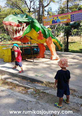 lampion dinosaurus di jurug solo zoo