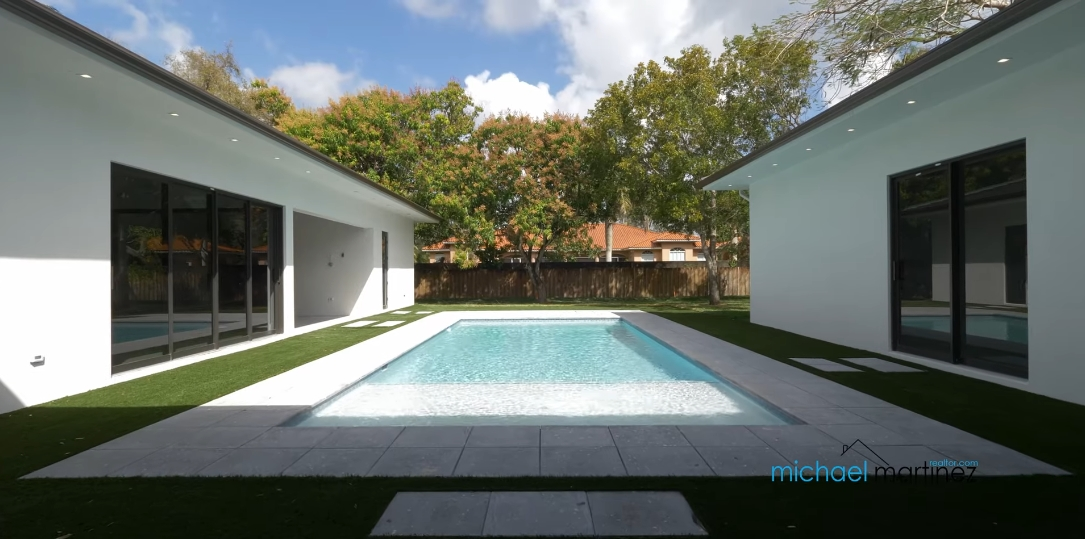 26 Interior Design Photos vs. 7825 SW 120th St, Pinecrest, FL Luxury Home Tour
