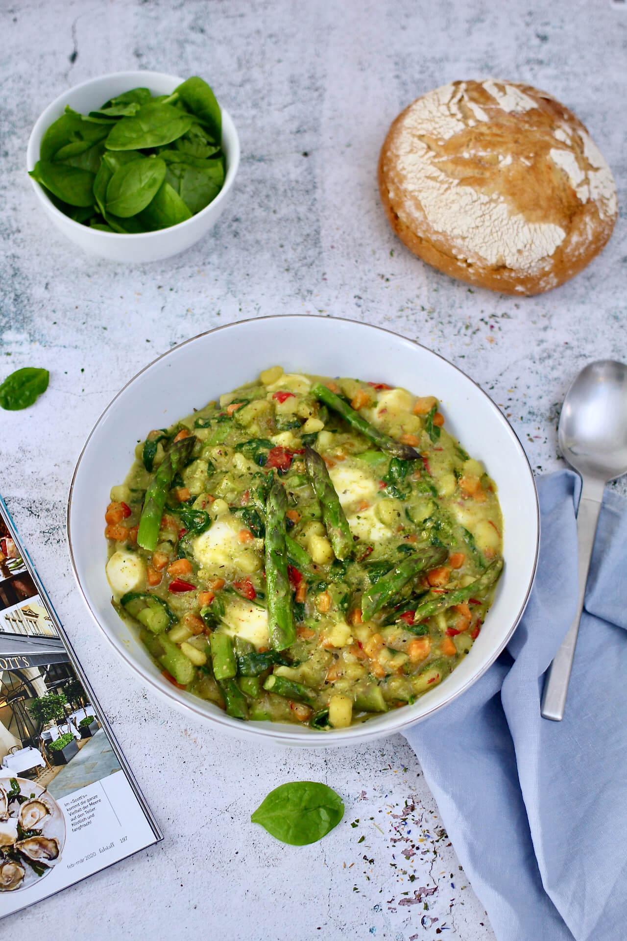 Gemüseeintopf mit Spargel