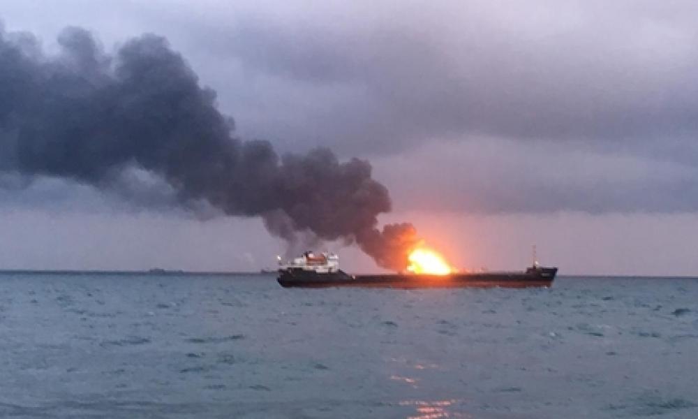 Μαχητικά αεροσκάφη του LNA βομβάρδισαν πλοίο που μετέφερε τουρκικά όπλα
