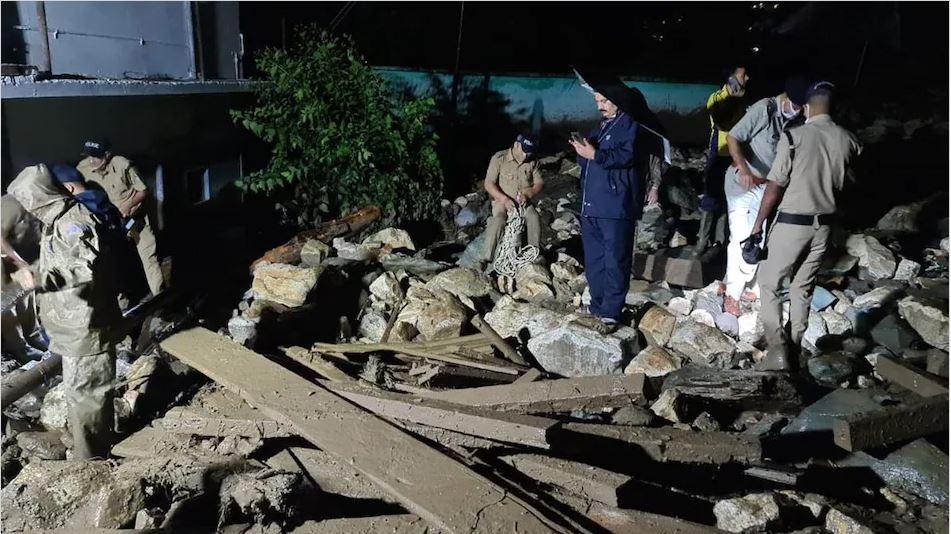 उत्तराखंड: उत्तरकाशी के मांडो गांव में बादल फटने से तीन की मौत, बचाव कार्य जारी