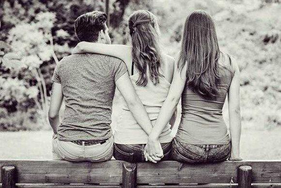 女人出軌後,她還愛她老公嗎?男人出軌後還愛他老婆嗎?
