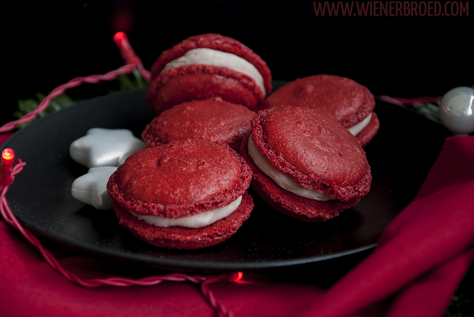 Glögg-Macarons / Mulled wine macaron | [wienerbroed.com] for 'The Sugarprincess Christmas Cookie Club 2016'