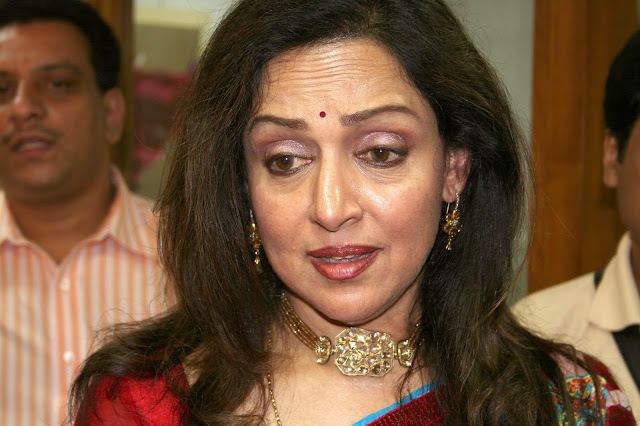 हेमा मालिनी की जीवनी | Hema Malini Biography in Hindi | हेमा मालिनी जीवन परिचय
