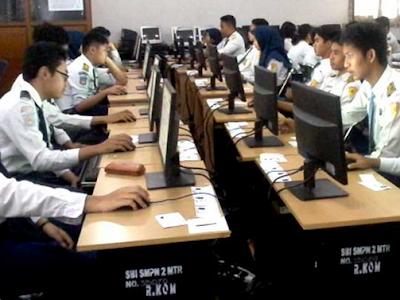 Contoh Soal Membandingkan Pola Pengembangan Cerpen dan Fabel - UNBK SMP 2020