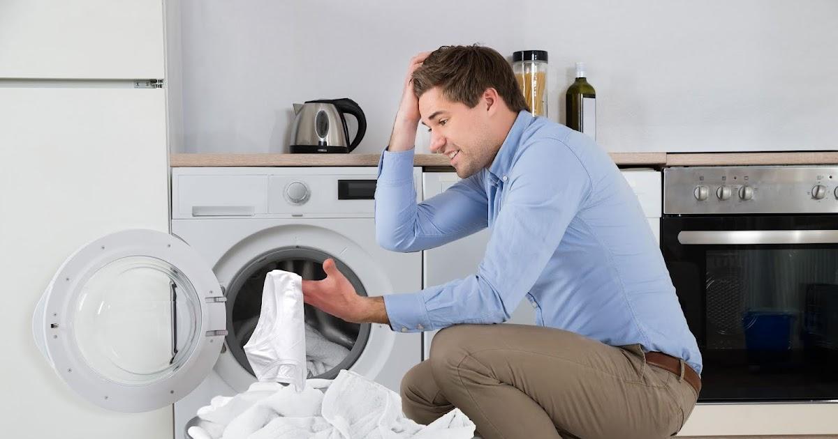"""""""Oh nein, die ist jetzt ganz weiß!"""" – Mann hat versehentlich rote Unterhose mit weißer Wäsche gewaschen"""