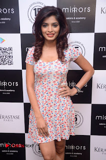 Actress Sanchita Shetty Pictures at Mirrors Salon App Launch Event 0009.JPG