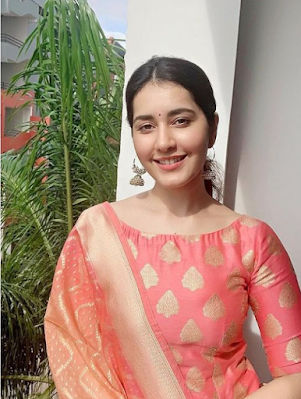 Raashi Khanna (Indian Actress) Wiki, Age, Height, Boyfriend, Family and More