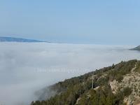 Jutarnja magla Bol slike otok Brač Online