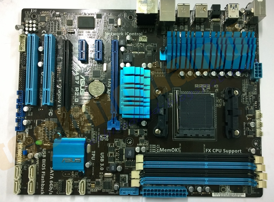 Pengenalan Motherboard Komputer, Fungsi dan Bagian ...
