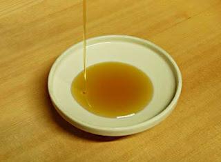 Cara menghilangkan ketombe dengan minyak biji wijen