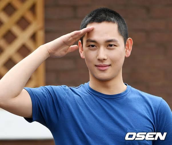 Dunia Faisol Model Rambut Pria Korea Hits Terbaru 2021