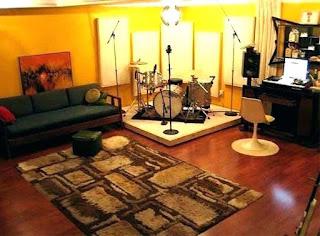 lantai kayu di studio musik