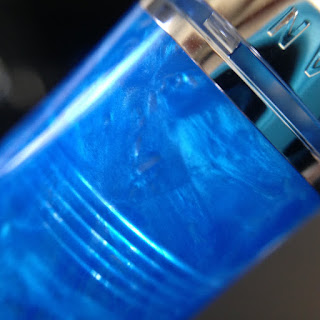 Review of the Pelikan Souveran M805 Vibrant Blue Fountain Pen