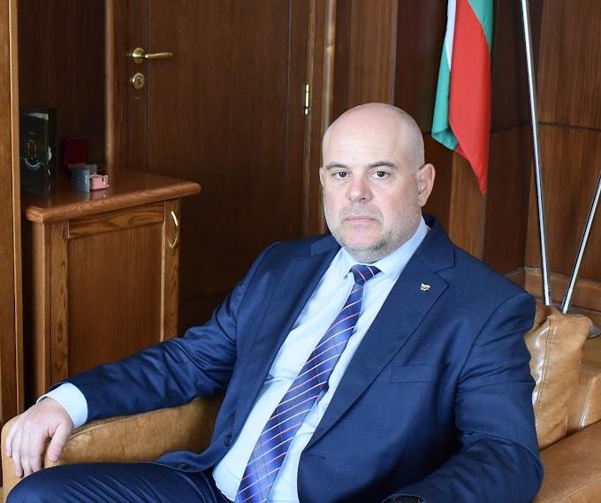Президентът Румен Радев подписа указа за назначаването на Иван Гешев за главен прокурор
