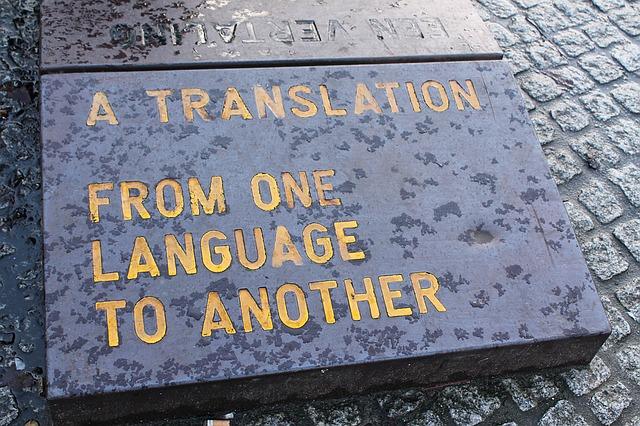 Kerja sampingan menjadi penerjemah di rumah saja