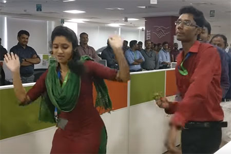 Flash mob May2017 – Office Dance