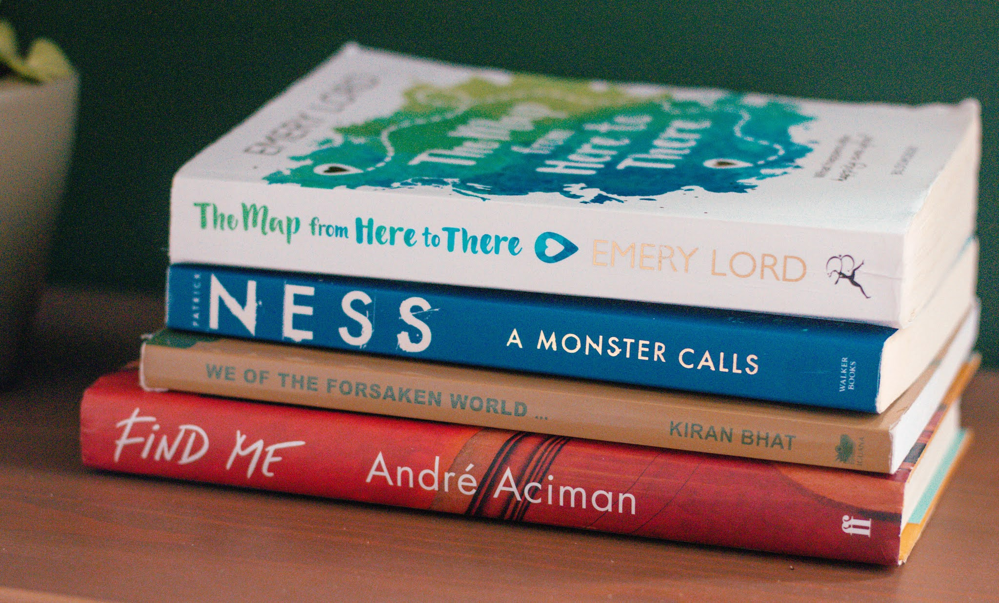 What I've been reading, book pile - ya fiction, a monster calls and more book reviews - summer 2020