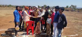 ग्रामीण प्रतिभा को निखारने क्रिकेट प्रतियोगिता का शुभारंभ