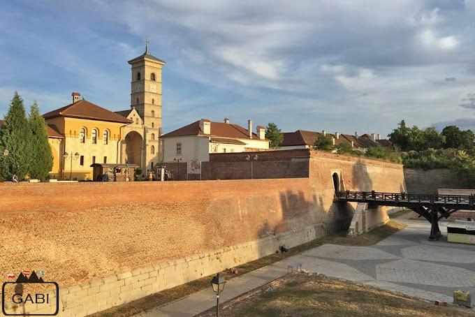 Forteca w Alba Iulia i rumuńskie wesele