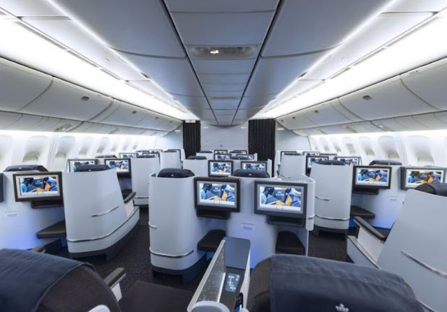 Boeing 777-200LR interior business class