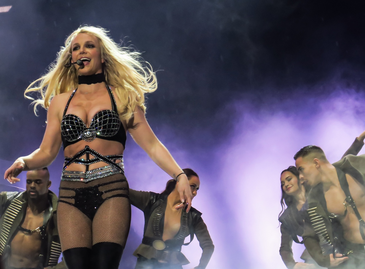 britney-cnn-february-news-report-shaved-spear-updated
