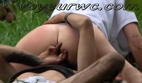 City Park Lovers - Public Voyeur Sex. Spy cam couple fuck in the bushes. (Sex Day 32)