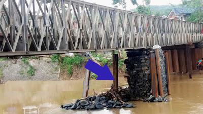 Resmi di Buka,  Pilar Satu Jembatan Bailey Ciputrapinggan Malah Ambruk