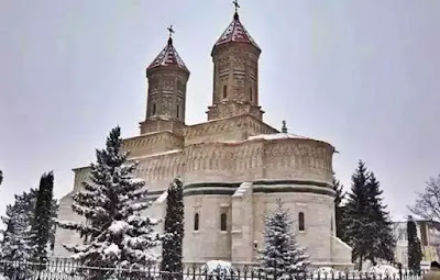 atractii turistice iasi manastirea trei ierarhi