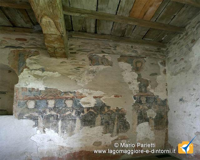 Interno della torre, gli affreschi con le monache