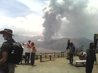 Pengaruh Erupsi Gunung Bromo terhadap wisatawan