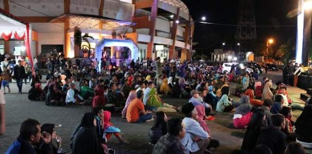 Penonton Gandrung Kentrung Djos Tampil Wakili Jember di Festival Magetan