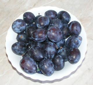 prune romanesti, fructe, retete cu prune, preparate din prune, deserturi cu prune, retete culinare,