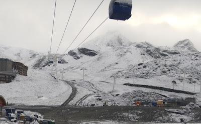 Sneeuw in de voortuin - foto webcam Val Thorens