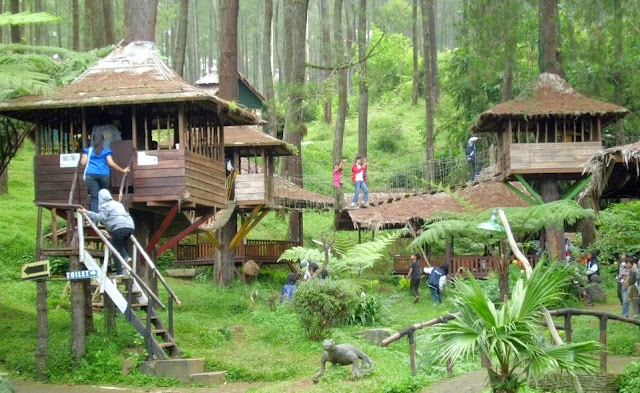 Wisata Rumah Pohon Jatiasih Bekasi Jawa Barat