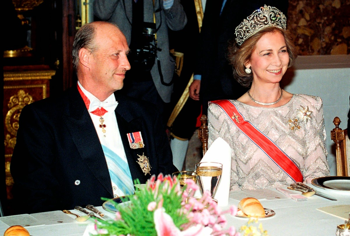 1the+dinner-HH.MM.+King+Harald+V+of+Norway+and+Queen+Sofia+of+Spain+++spain.jpg