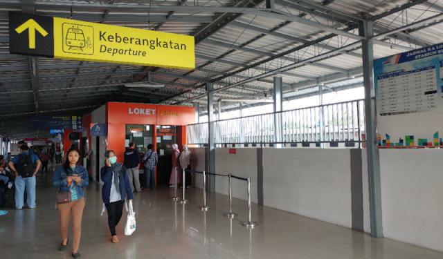 Membeli Tiket Prameks Dari Stasiun Lempuyangan