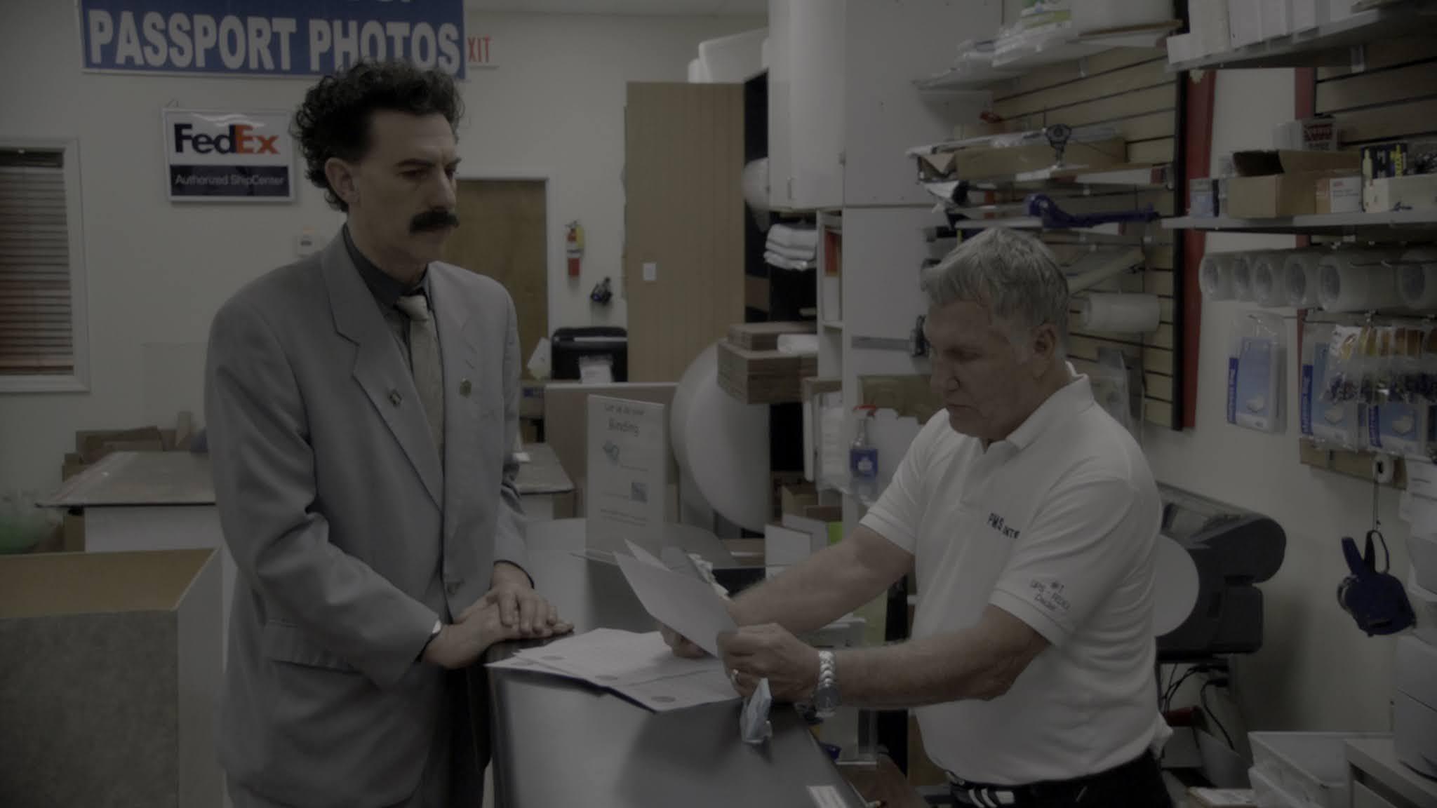 Borat siguiente película documental (2020) 4K AMZN WEB-DL HDR Latino