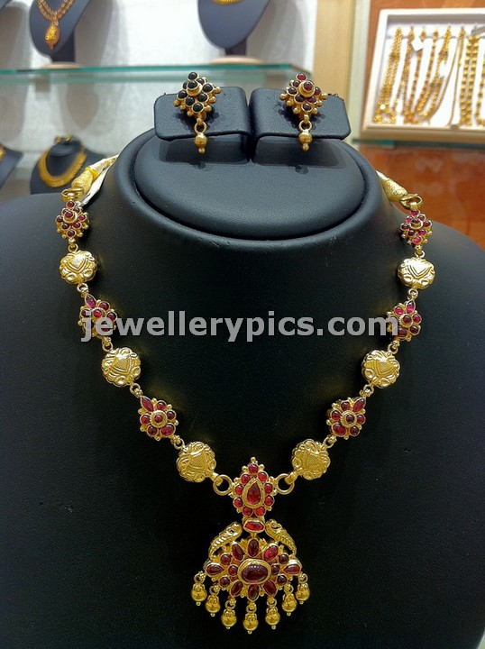 simple temple gold necklace models at nalli jewellers