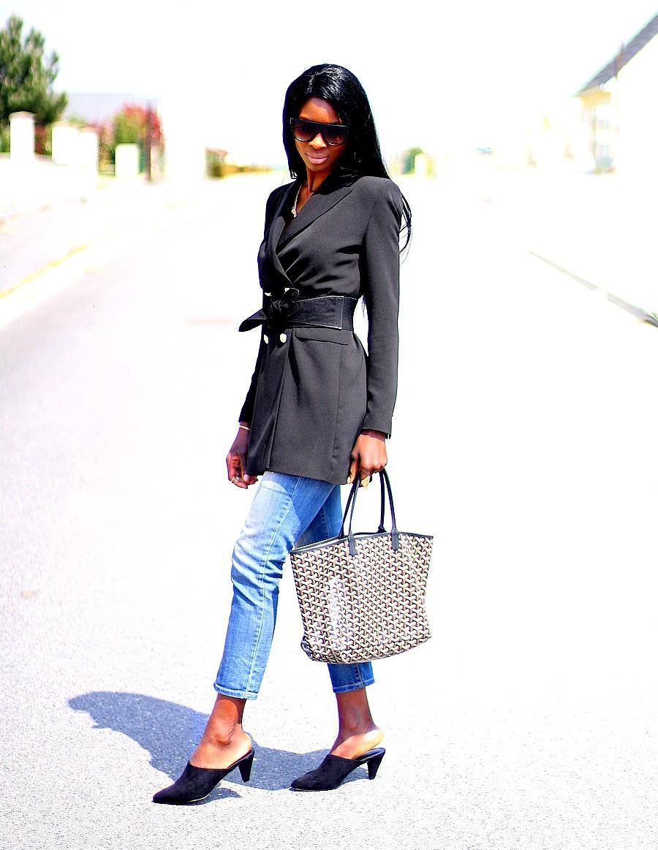 look-chic-avec-mules-blazer-long-corset-sac-goyard