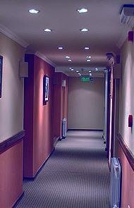 Iluminaci n led instalaci n electrica de ojos de buey - Focos pasillo ...