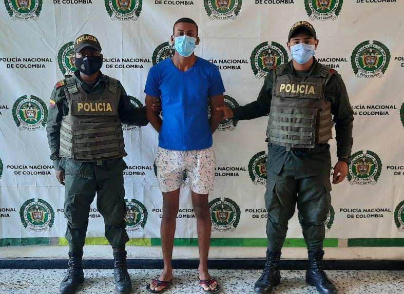 https://www.notasrosas.com/Mujer lo denuncia en San Juan, y lo capturan por Violencia Intrafamiliar